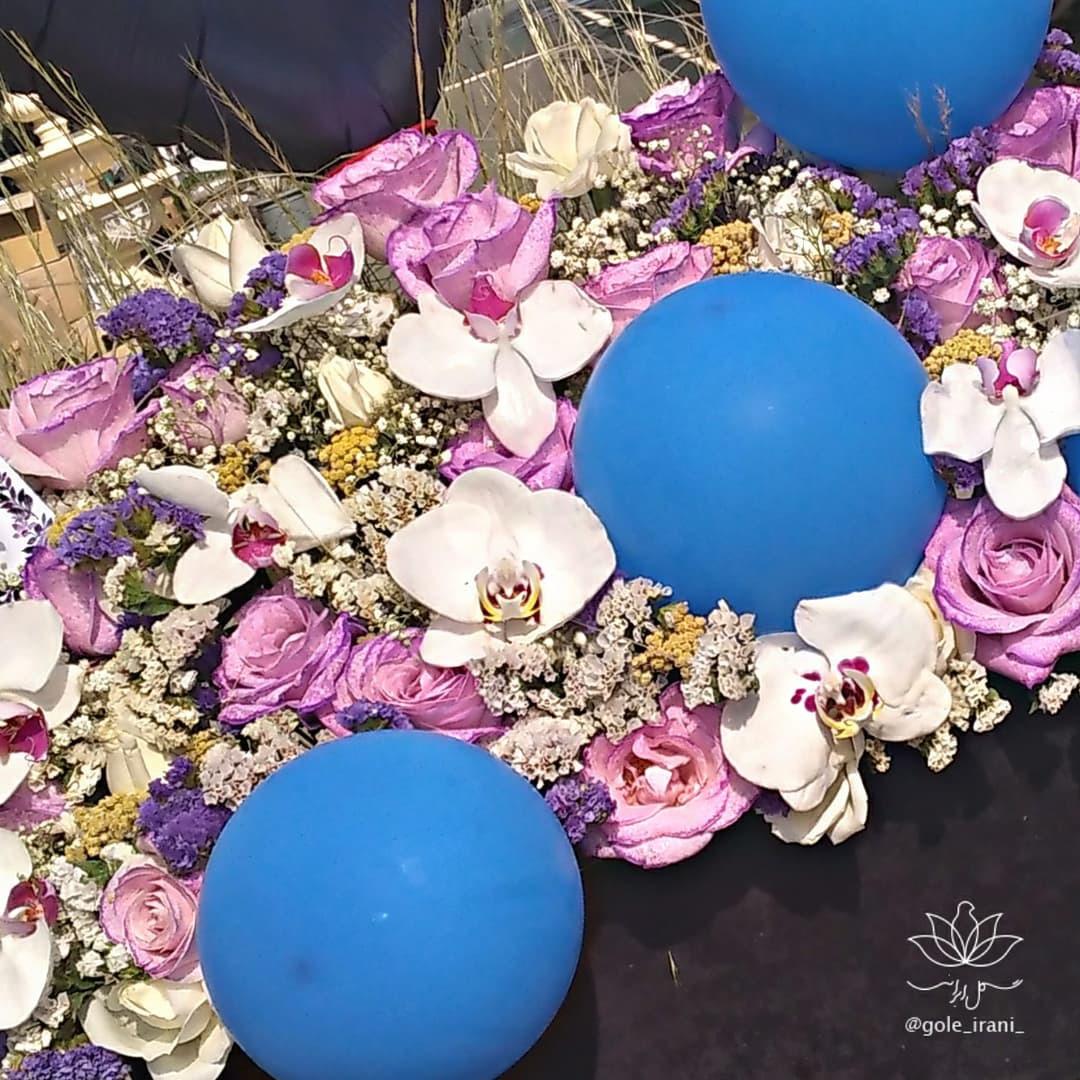 باکس گل و بادکنک پسرانه سفارش آنلاین باکس گل و بادکنک ارسال رایگان باکس گل و بادکنک در تهران گل ایرانی