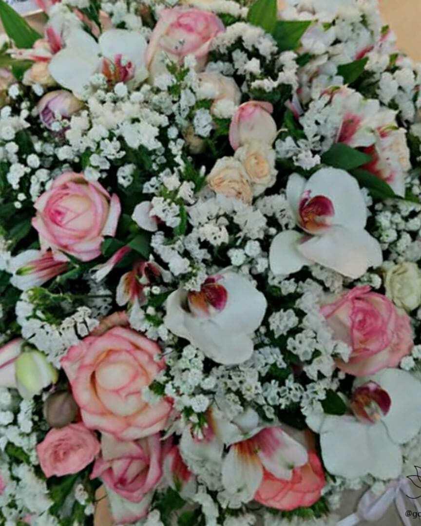 باکس گل سفید باکس گل زیبا سفارش آنلاین باکس گل سورپرایز تولد باکس گل کوچک گل طبیعی