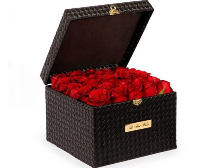 خرید و قیمت باکس گل نهان سفارش باکس گل رز قرمز سفارش باکس گل رز قرمز قیمت باکس گل رز رز ارزان گل ایرانی